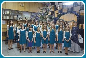 Chór  parafii Narodzenia Bogurodzicy w Bielsku Podlaskim z dyrygentką Anną Fita